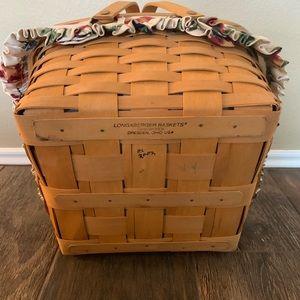 Longaberger Accents - Longaberger Casserole Basket With Lid Liner Stand